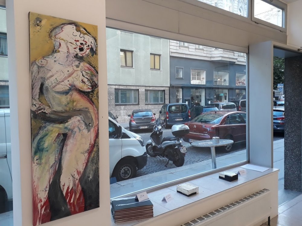 GalerieKRASAusst.jpg